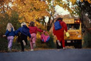 kids running for bus